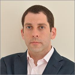 Aurora Clinics: Photo of Plastic Surgeon Mr Adel Y Fattah
