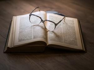 Aurora Clinics: Invest in a good book
